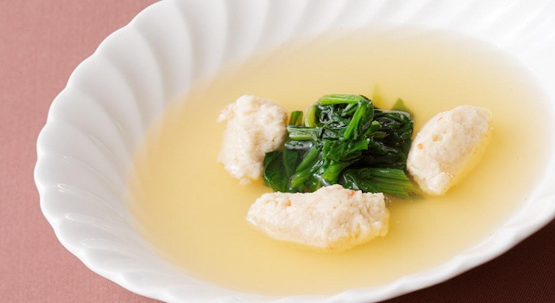 えびとほたてのクネルスープ