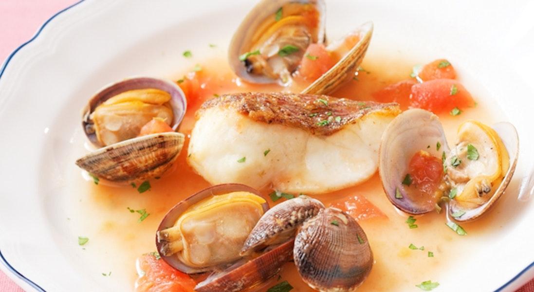 白身魚のローストのあさりスープ仕立て
