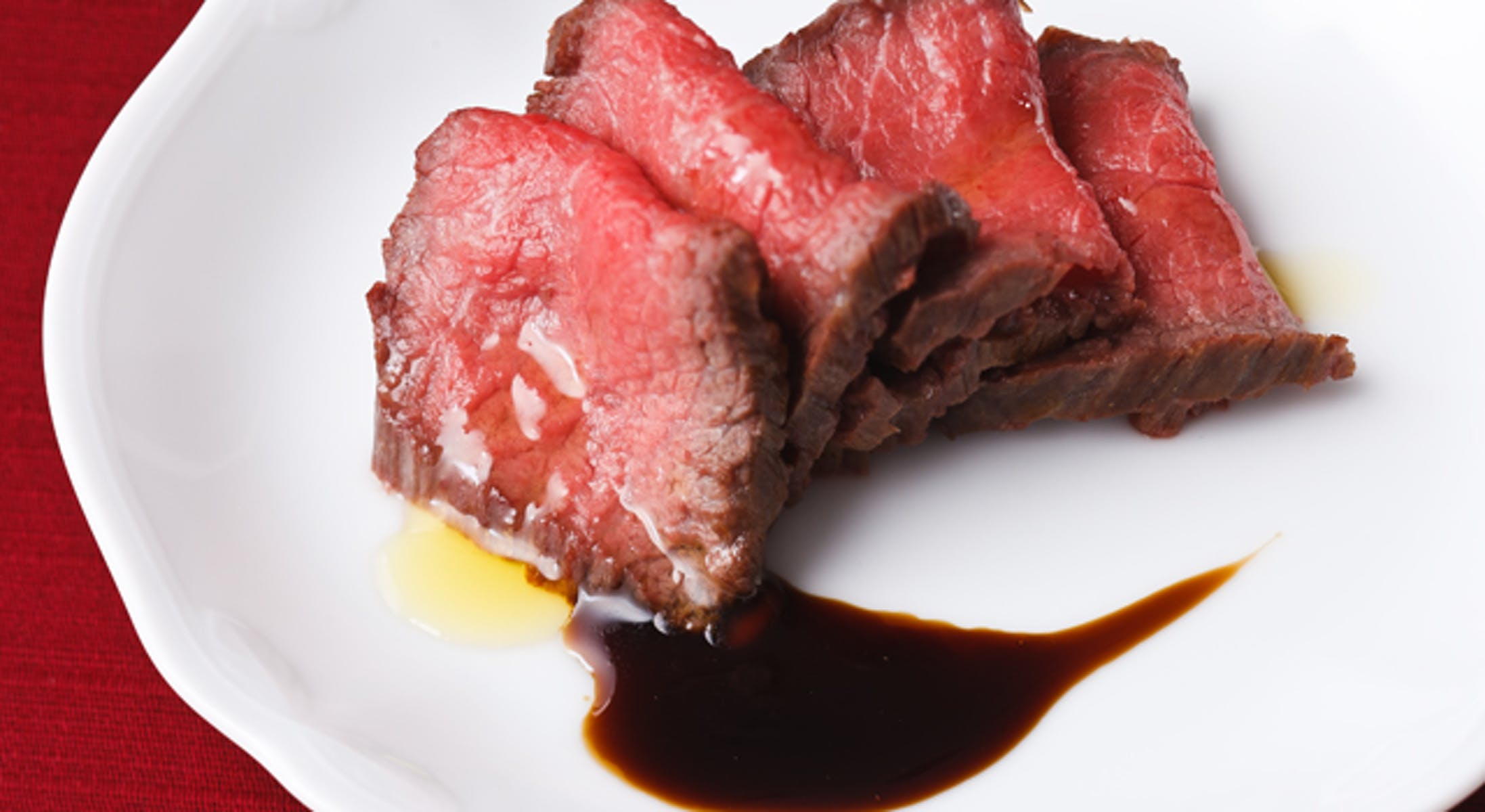牛肉の粗塩包み焼き