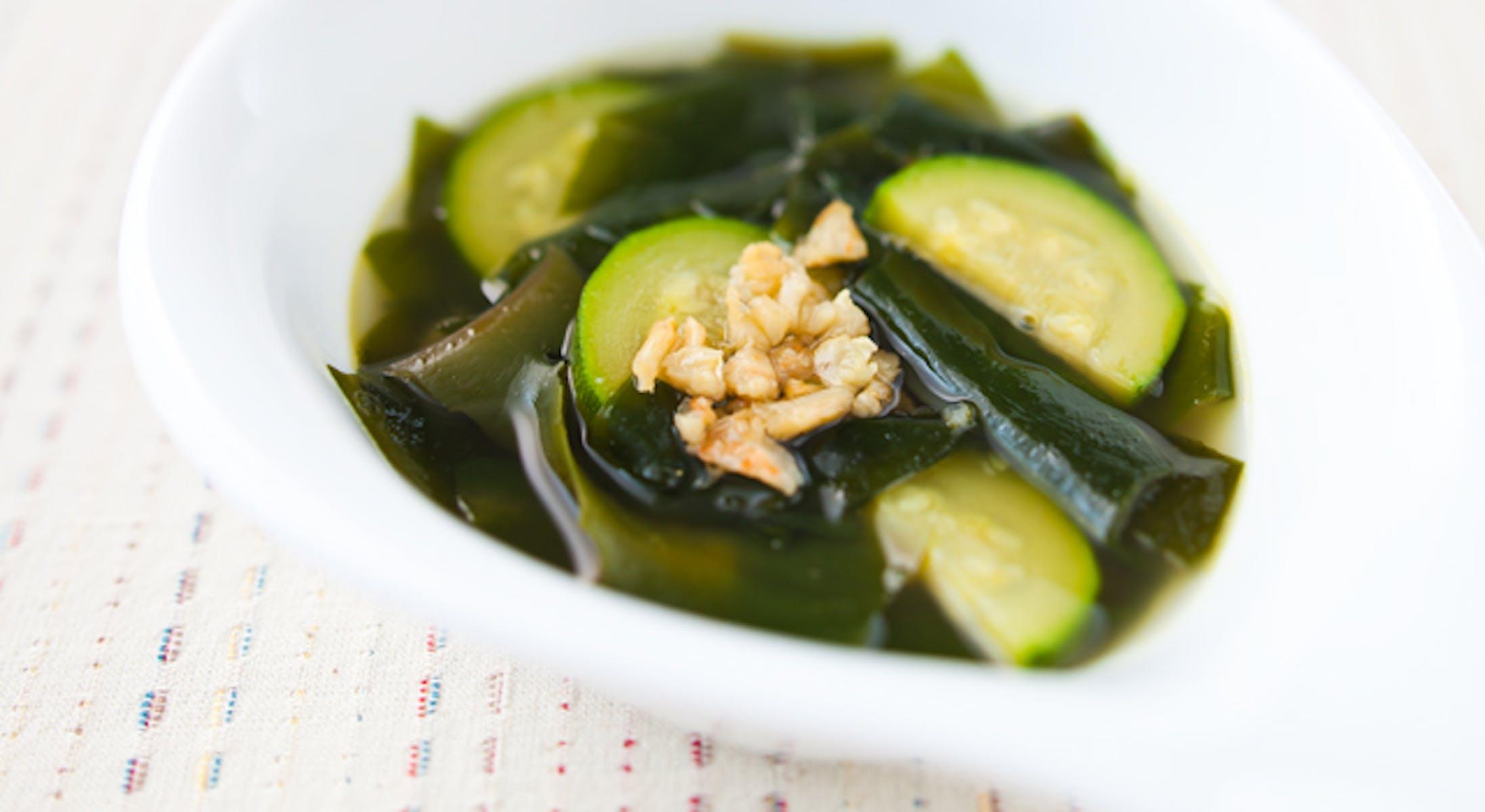 干しえび風味のわかめスープ