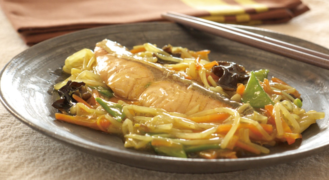 蒸し魚の和風カレーあんかけ
