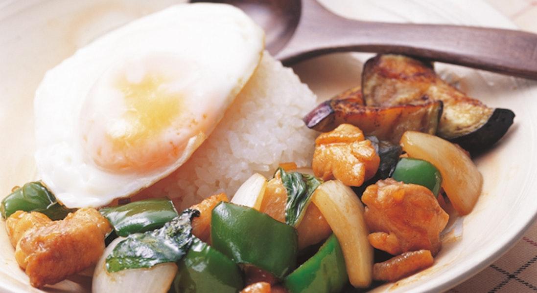 ガパオ(鶏肉とバジルの炒めご飯)