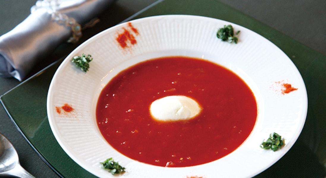 フレッシュモッツァレラチーズのトマトスープ