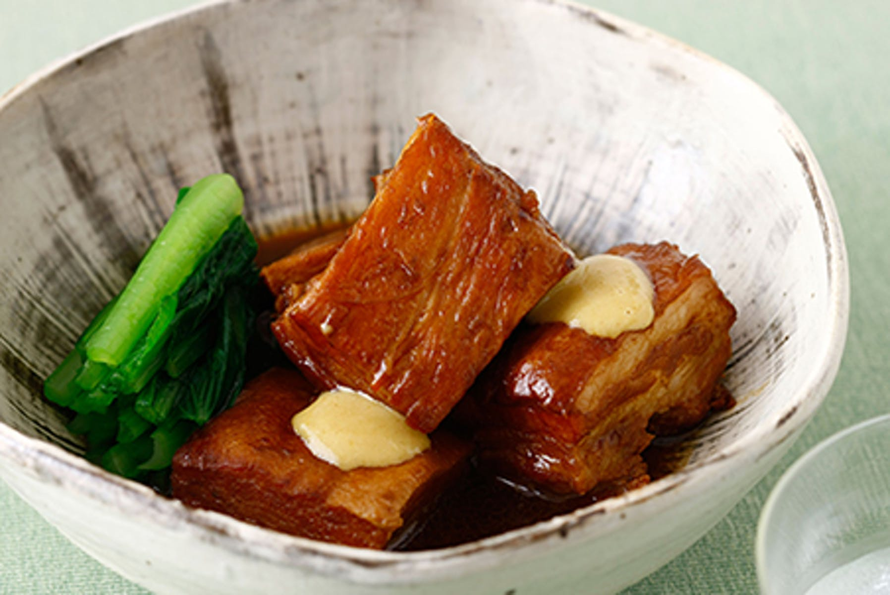 豚肉のとろとろ焼酎味噌角煮 からし添え