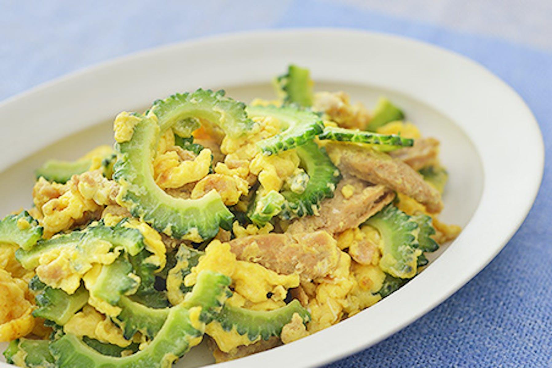 大豆のお肉とゴーヤーと卵の炒めもの
