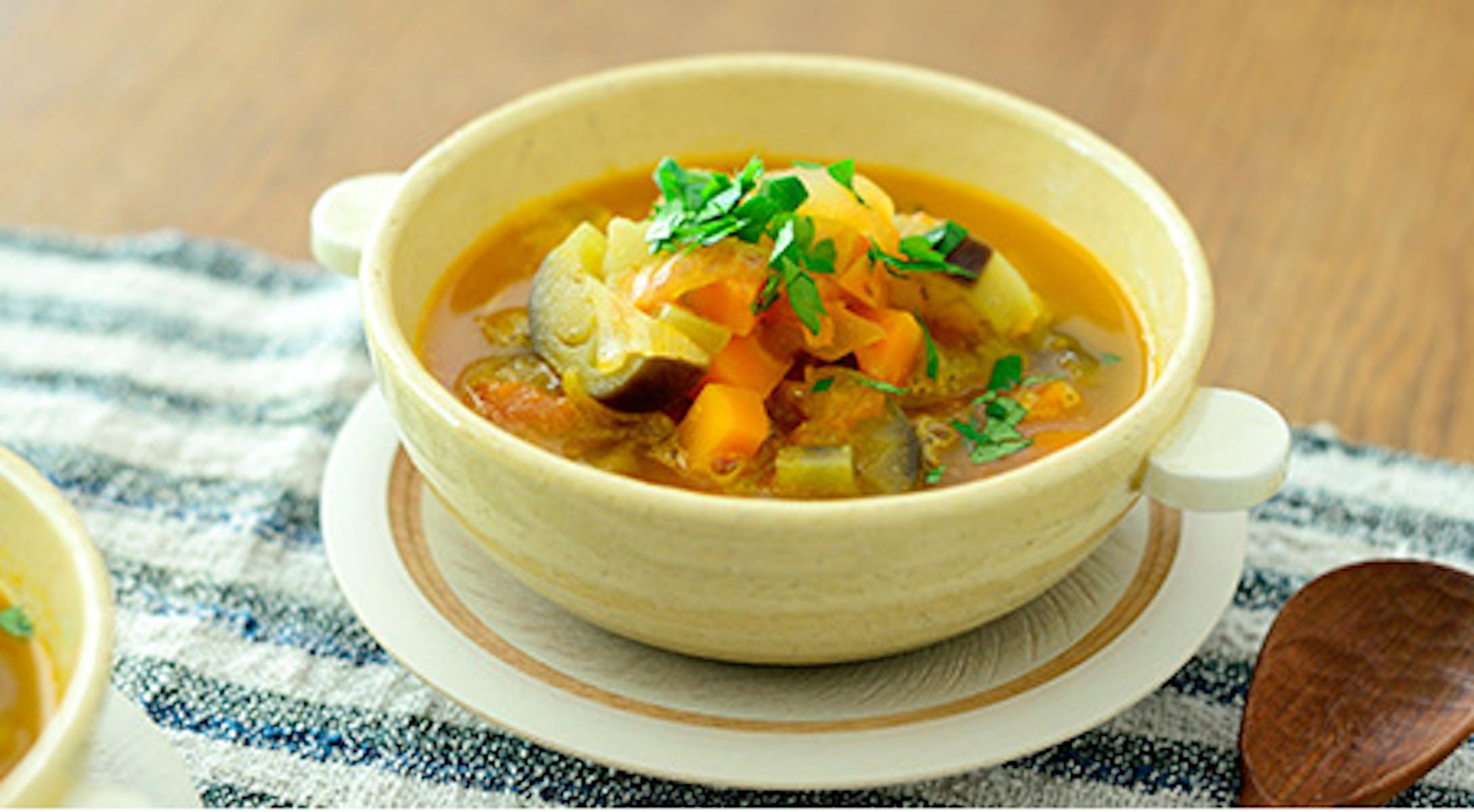 夏野菜の貝だしみそトマトスープ