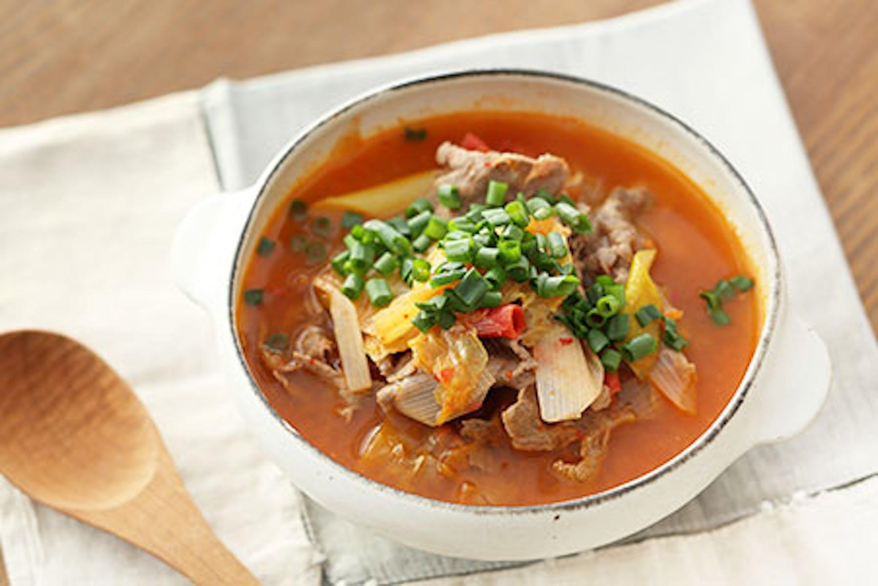 キムチと牛肉のサワートマトスープ