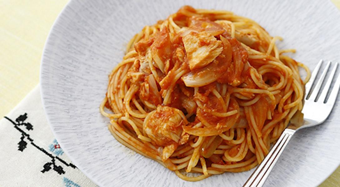 塩糀入りトマトソースのツナオニオンパスタ