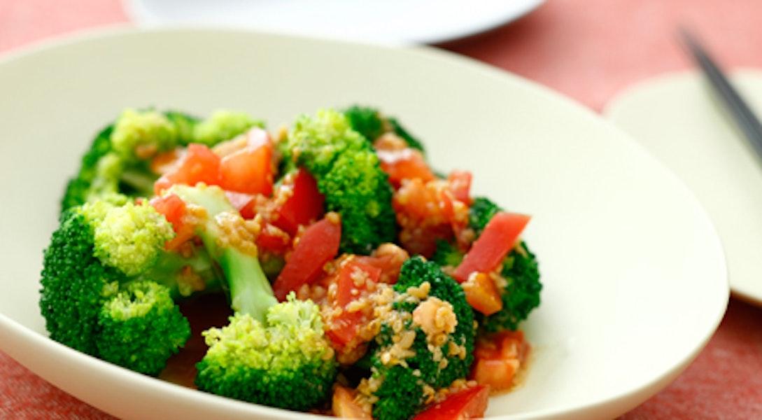 ブロッコリーのサラダ トマトしょうゆ糀ドレッシング