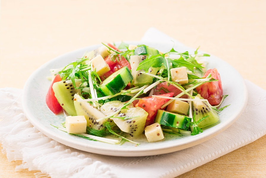 キウイのグリーンサラダ 糀甘酒ドレッシング