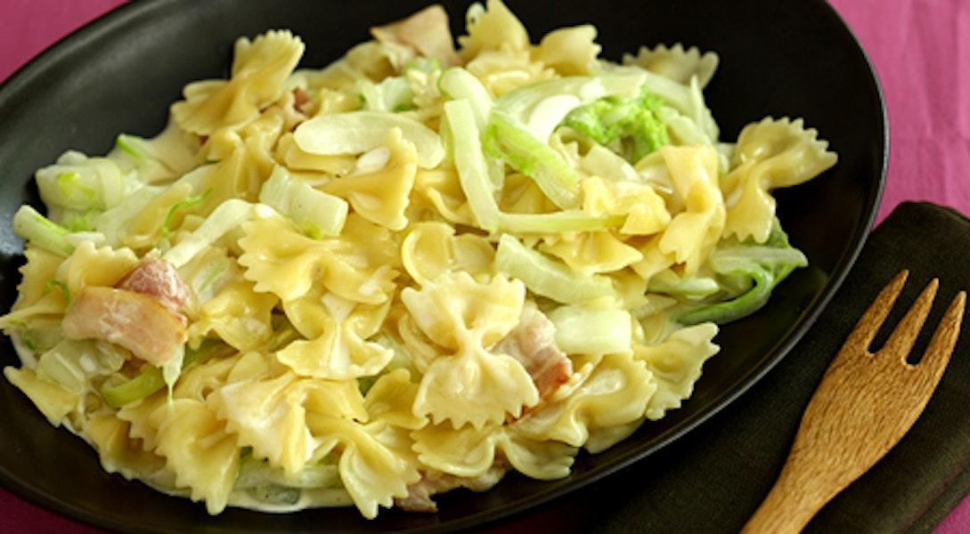 白菜とベーコンの白みそ入りクリームパスタ
