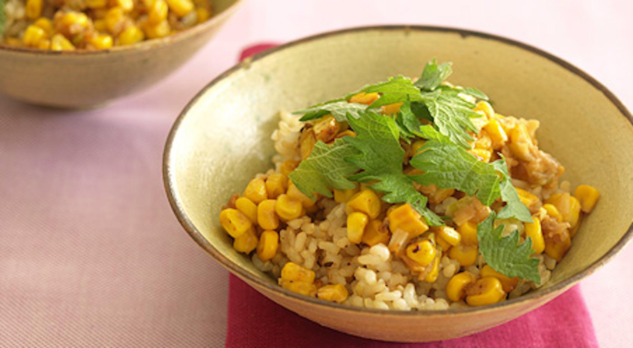 コーンの生姜みそ炒め乗せ玄米ごはん