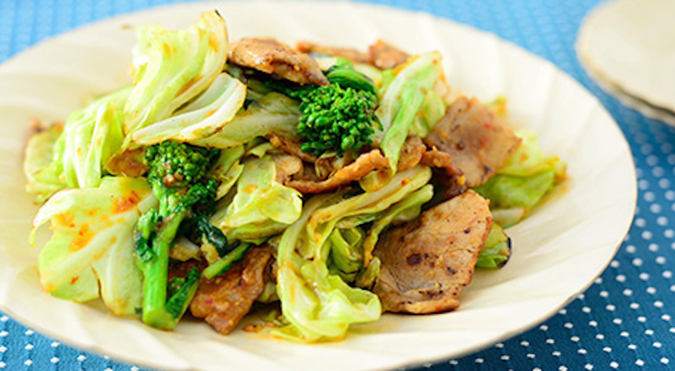 菜の花とキャベツの回鍋肉(辛みそ炒め)