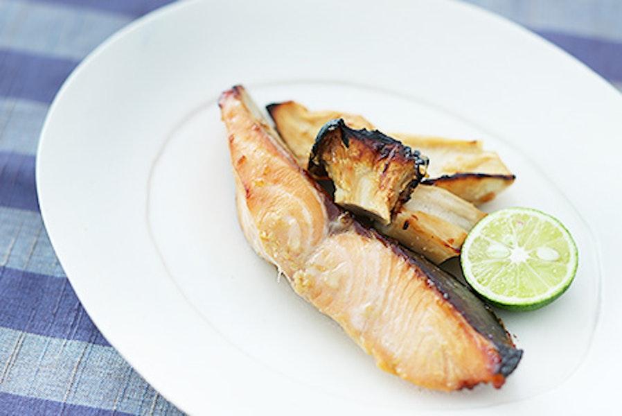 鮭とエリンギのメープルみそ漬け焼き