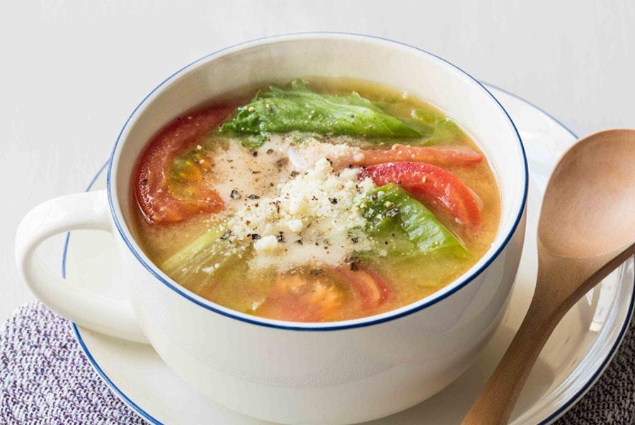 トマトとレタスの即席サラダみそ汁