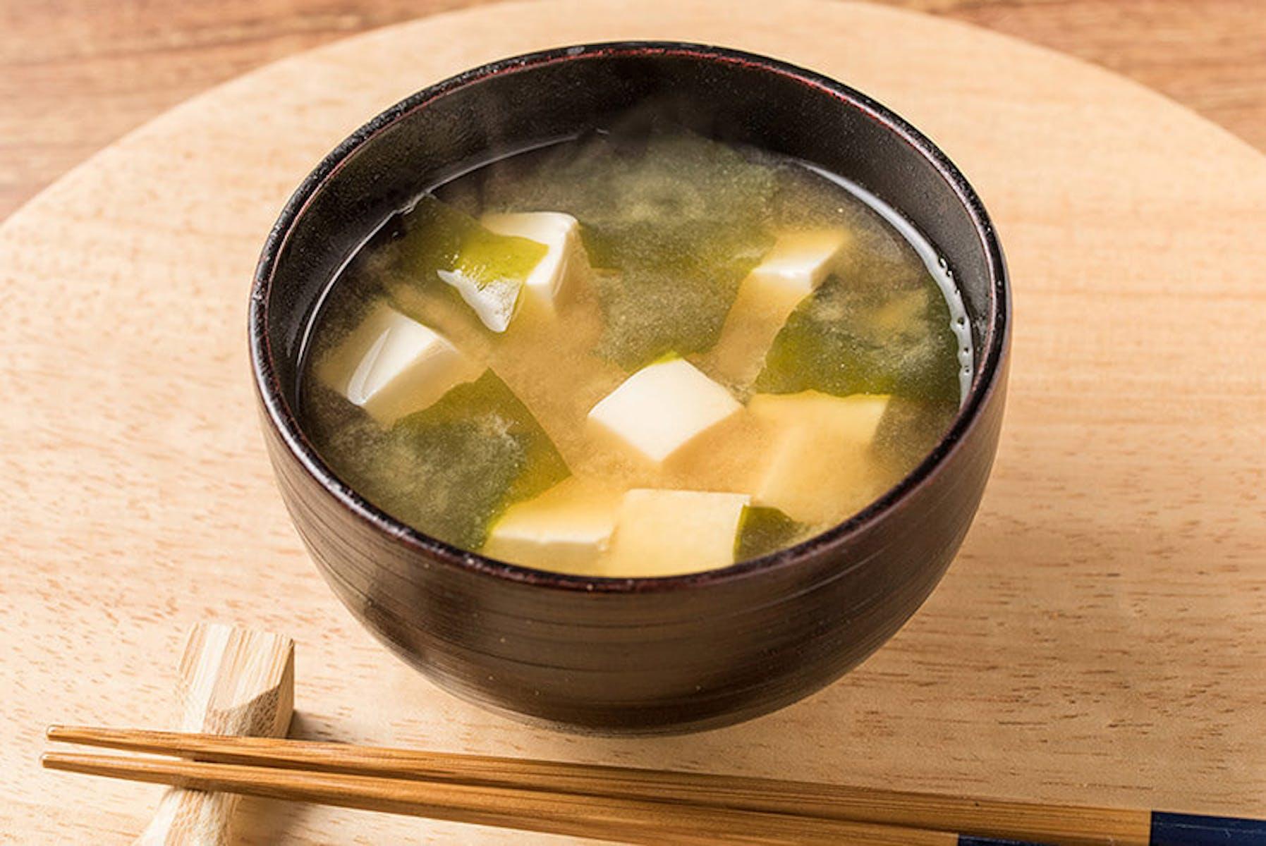 わかめと豆腐の即席みそ汁