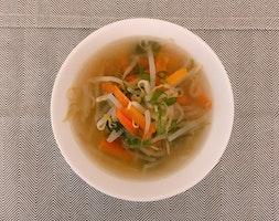もやしと人参と長ねぎの中華風スープ