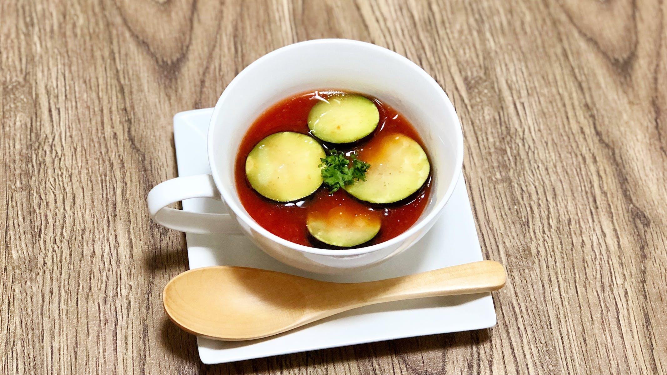 なすのトマトスープ