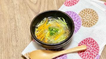 千切り野菜の中華スープ