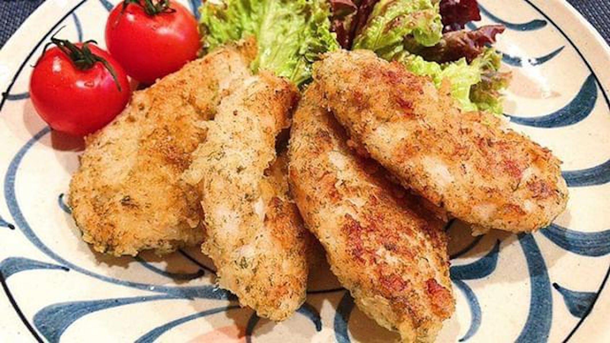 鶏むね肉の青のりとチーズのパン粉焼き